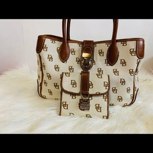 Dooney & Bourke Beige Satchel Medium Set